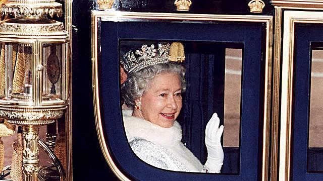 D'on venim? Isabel II, més jove que mai.