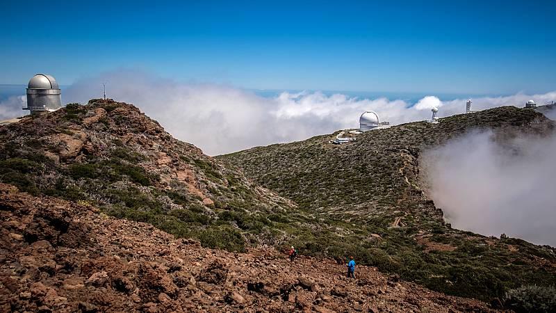 24 horas - Las cenizas del volcán amenazan a las lentes del mayor telescopio óptico del mundo - Escuchar ahora