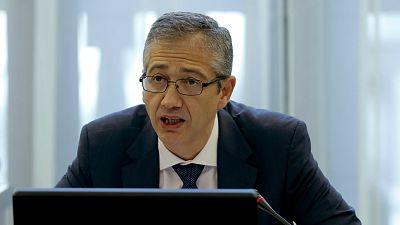 14 horas - El Banco de España alerta de que la crisis se cebará con las mujeres y los jóvenes - Escuchar ahora
