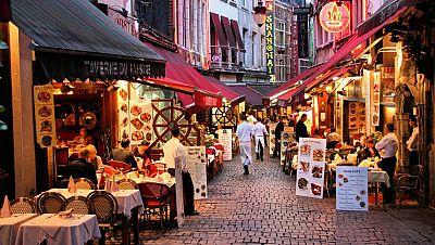 14 horas - Bruselas cierra los bares durante un mes por el aumento de los contagios de coronavirus - Escuchar ahora