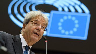 Boletines RNE - Bruselas mejora levemente la previsión de crecimiento de España - Escuchar ahora