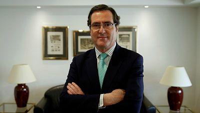 """Las mañanas de RNE con Íñigo Alfonso - Garamendi: """"Si alguien tiene que quedarse en casa con su hijo, lo lógico es que no lo pague la empresa"""" - Escuchar ahora"""