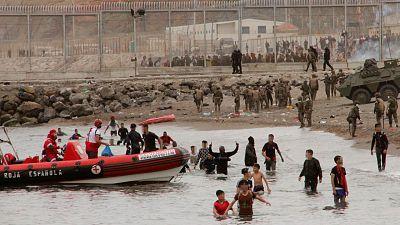 14 horas - Llegada masiva a Ceuta: último episodio de las complejas relaciones entre España y Marruecos - Escuchar ahora