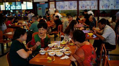 14 horas - China da por controlada la transmisión del virus seis meses después de la declaración de la pandemia  - Escuchar ahora