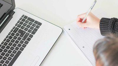 Las mañanas de RNE con Íñigo Alfonso - La brecha digital: el riesgo de quedarse atrás en el colegio por no tener ordenador ni Internet en casa - Escuchar ahora