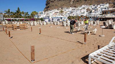 España a las 8 Fin de Semana - El Consejo Mundial de Turismo ve factible la llegada de turistas extranjeros a España este verano - Escuchar ahora