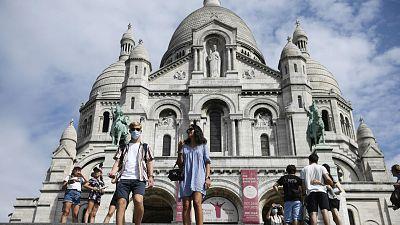 Boletines RNE - La Policía vigilará el uso de las mascarillas en Francia - Escuchar ahora