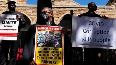 Reportajes 5 Continentes - La corrupción salpica la lucha contra el COVID en Sudáfrica  - Escuchar ahora