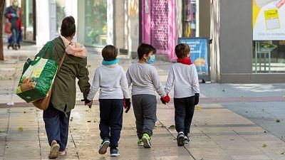 """Las mañanas de RNE con Íñigo Alfonso - Sociedad Española de Pediatría: """"Salir a la calle mejoraría la calidad de vida de algunos niños"""" - Escuchar ahora"""