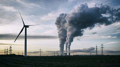 """Las Mañanas de RNE con Íñigo Alfonso - La crisis del coronavirus, impulso hacia un cambio en el modelo energético: """"Tenemos que aprovechar la salida para reconvertir nuestra energía"""" - Escuchar ahora"""