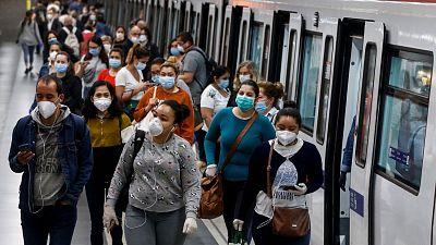 """14 horas - Los expertos piden """"prudencia"""" y seguir llevando mascarilla en las aglomeraciones - Escuchar ahora"""