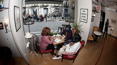 Las mañanas de RNE con Íñigo Alfonso - Los expertos piden mucha precaución con la vida social en casas e interiores - Escuchar ahora