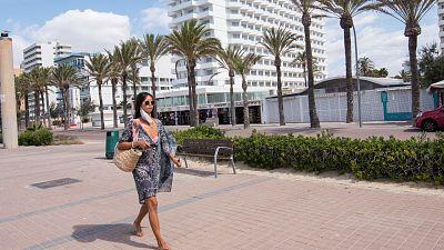 Boletines RNE - El gobierno de Baleares confinará un nuevo barrio de Palma y el casco histórico de Ibiza - Escuchar ahora