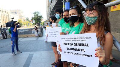 """Las mañanas de RNE con Íñigo Alfonso - Primer día de huelga de estudiantes: """"Basta ya de mirar a otro lado""""   - Escuchar ahora"""