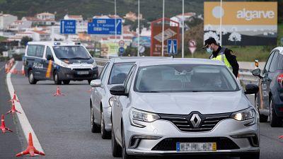 """Las mañanas de RNE con Íñigo Alfonso - El impacto de las restricciones de movilidad con Portugal: """"Es como si no pudieras cruzar del barrio de Salamanca a Chamberí"""" - Escuchar ahora"""