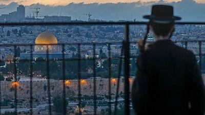 14 horas - Israel endurece el confinamiento y reduce al mínimo la actividad económica - Escuchar ahora