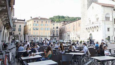 Las mañanas de RNE con Íñigo Alfonso - Italia abre todo menos gimnasios, cines y teatros y permite moverse libremente dentro de una región - Escuchar ahora