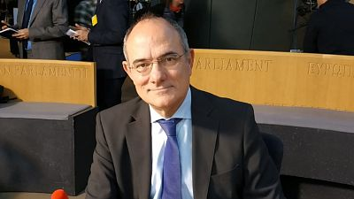 """Las mañanas de RNE con Íñigo Alfonso - Duch: """"La UE está haciendo lo correcto, pero ha tardado en apreciar la magnitud de la crisis"""" - Escuchar ahora"""