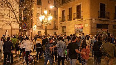 Barcelona aprova mesures per evitar les botellades