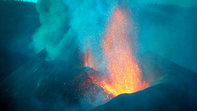 14 horas - La nueva colada de lava amenaza zonas que se creían fuera de peligro  - Escuchar ahora