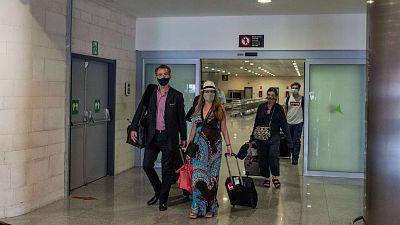 """14 horas - López Ocuña: """"Corrimos en toda Europa para abrir el turismo y no tomamos las medidas suficientes"""" - Escuchar ahora"""