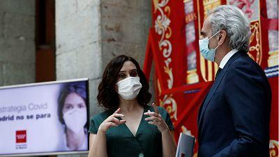 14 horas - Madrid hace obligatorio el uso de las mascarillas y anuncia una cartilla COVID-19 para seleccionar confinamientos - Escuchar ahora