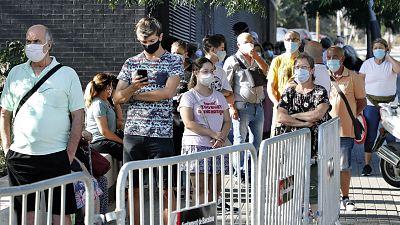 Boletines RNE - Más de 2.000 contagios en un día y más de 5.000 añadidos al cómputo global - Escuchar ahora