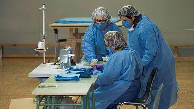 Las Mañanas de RNE con Íñigo Alfonso -  La Organización Médica Colegial pide que se acelere la fabricación propia de material de protección - Escuchar ahora