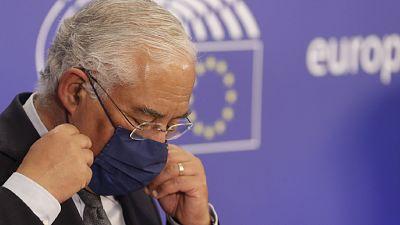 Boletines RNE - Portugal cierra durante dos semanas toda la actividad escolar - Escuchar ahora