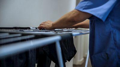 Las mañanas de RNE con Íñigo Alfonso - La realidad del sector de las empleadas del hogar tras la pandemia: sin protección ante los despidos - Escuchar ahora