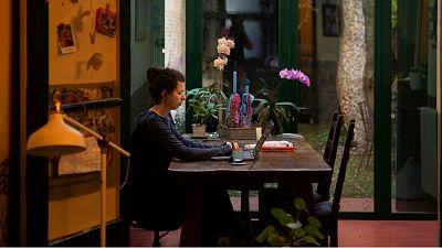 Las mañanas de RNE con Íñigo Alfonso - Los retos pendientes del teletrabajo: los empleados reclaman medios técnicos y más voluntad de las empresas - Escuchar ahora