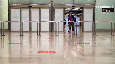 14 horas - El sector turístico pide que se pueda viajar a España desde el extranjero de forma inmediata - Escuchar ahora