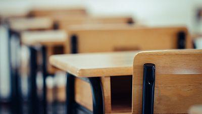 España a las 8 Fin de Semana - Sólo 2 de cada 5 niñas completan la educación secundaria en el mundo - Escuchar ahora