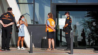 14 horas - Las UCI siguen llenándose: ingresan el triple de pacientes que en julio - Escuchar ahora