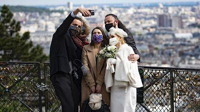14 horas - Las bodas vuelven en la fase 2 con distancia, mascarilla y límite de invitados - Escuchar ahora