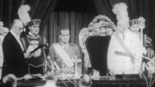 """Don Juan Carlos de Borbón nombrado """"sucesor al título de Rey"""" (22 de julio 1969)"""