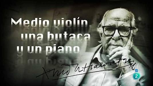 Medio violín, una butaca y un piano