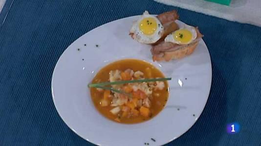 Sopa de calabaza con tosta de atún