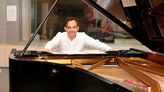 Josu Okiñena (piano)