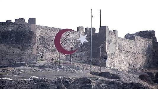 Operación Ararat: Un pajar en el teatro