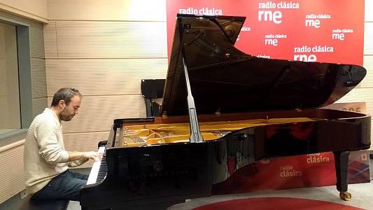 Moises P. Sánchez  (pianista y compositor)