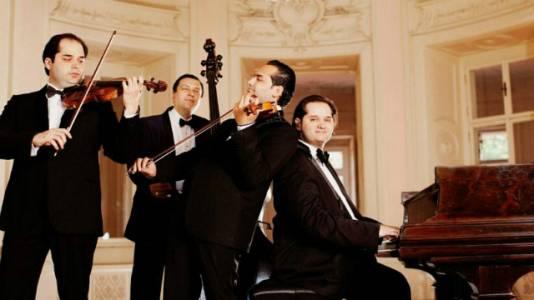 Janoska Ensemble (R. Strauss, Mozart)
