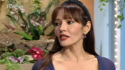 Bárbara Carrera, Anthony Delon, Jacqueline de la Vega (...)
