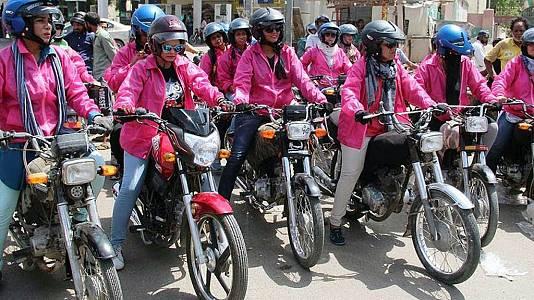 Las Pink Riders, liberación sobre ruedas