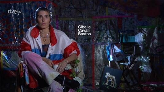 Metrópolis-XTRA - Cibelle Cavalli Bastos