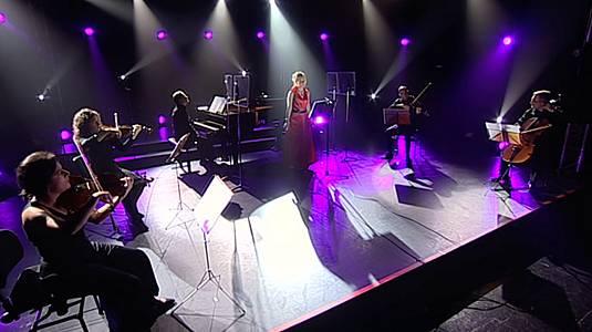 Paloma Chisbert Sexteto voz+cuerdas+piano