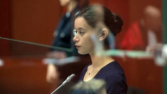 RTVE.es os ofrece en primicia el tráiler de 'La chica del brazalete', un emocionante drama judicial y generacional
