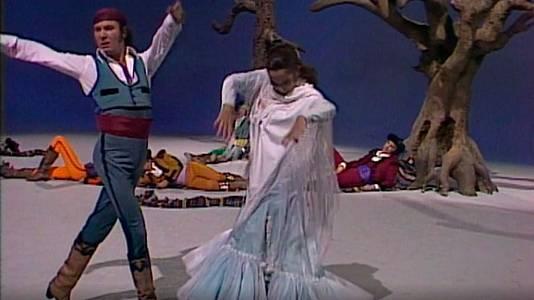 María Rosa y su compañía de baile (III)