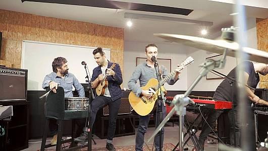 Combo Paradiso, el vaivén de cuatro músicos