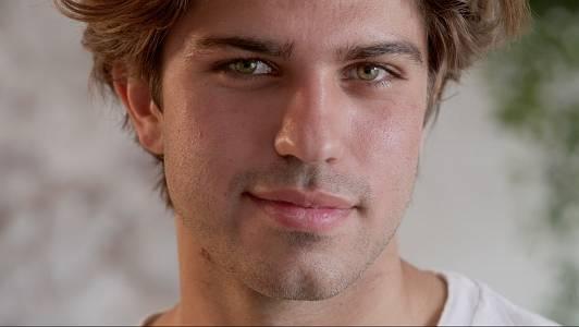 El Mikel un andalús molt esportista i obert busca l'amor